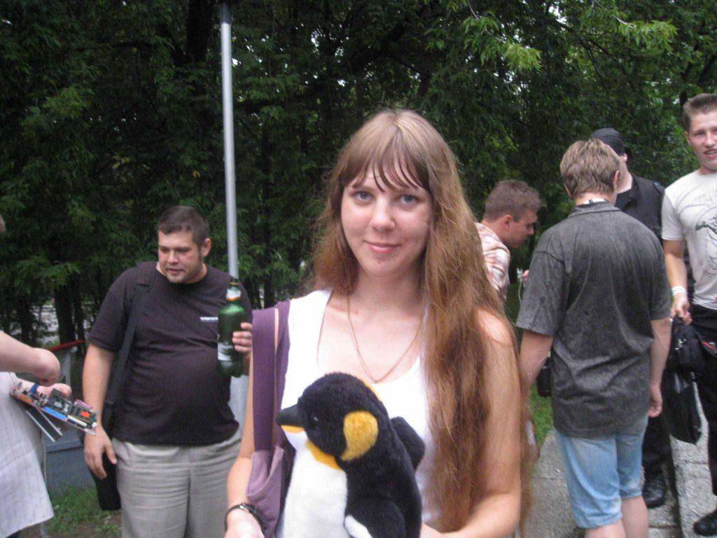 Пингвин символ 2012 года